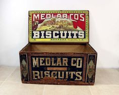 Wood Biscuit Box / Medlar Biscuit Company by ConceptFurnishings Vintage Crates, Old Crates, Vintage Wood, Vintage Decor, Wood Biscuits, Old Baskets, Industrial Storage, Old Boxes, General Store
