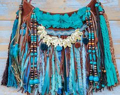 Fringe Handbags, Fringe Bags, Bohemian Look, Boho Style, Diy Gifts To Sell, Hippie Purse, Sacs Design, Boho Bags, Everyday Dresses