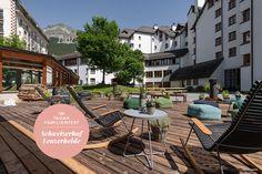 Kann man sich zu zweit mit fünf Kindern innerhalb von drei Tagen erholen? Ja, kann man. Das Hotel Schweizerhof Lenzerheide ist einer der wenigen Orte in der Schweiz, das Sterne hat und in dem man sich mit Kindern trotzdem sehr wohl fühlt. Nicht nur wegen des hausinternen Kids Clubs, aber auch.  #tadah #itsamomsworld #mothermag #magazin #mamablog #motherhood #motherswelove #lebenmitkindern #lifewithkids #swissmom #swissblog #slowliving #theartofslowliving #yammie #familienferien Hotels, Das Hotel, Mansions, House Styles, Outdoor Decor, Home Decor, Environment, Switzerland, Decoration Home