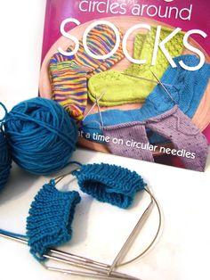 knitting two socks on two circulars