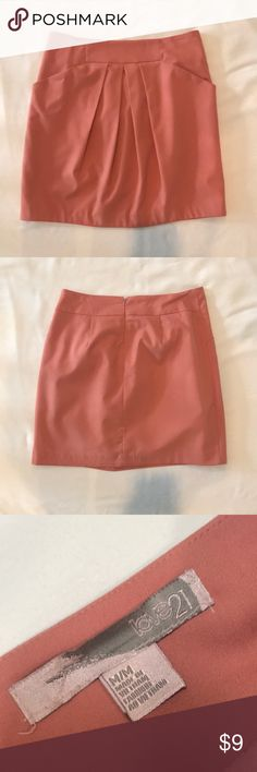 Work skirt Zipper on back Forever 21 Skirts Work Skirts, Gym Shorts Womens, Forever 21, Zipper, Best Deals, Closet, Things To Sell, Style, Fashion