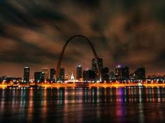 Louis' landmark Gateway Arch is the world's tallest man-made monument The Places Youll Go, Great Places, Places To See, Beautiful Places, Simply Beautiful, Saint Louis Arch, St Louis Mo, Saint Luis, Gateway Arch