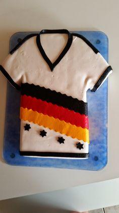 Fußball-Torte. Zuckersüße Tortengrüße.