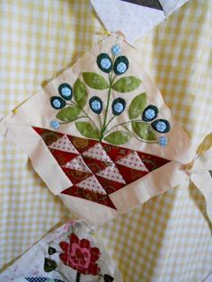 Quilt patch:  basket with Sweet William