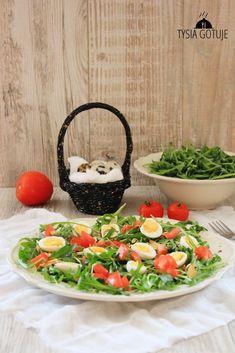 Wielkanoc zbliża się wielkimi krokami, postanowiłam więc przygotować zbiór przepisów na smaczne, kolorowe i sprawdzone sałatki. Każda s...