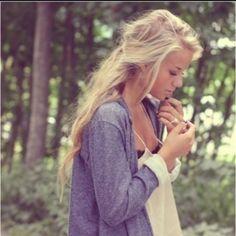 .blonde ponytail