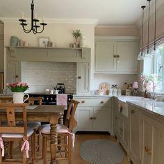 Laundry Room Cabinets, Mantel Shelf, Cottage Kitchens, Handmade Kitchens, Kitchen Sets, Home Reno, Diy Home Decor, Shelves, Table