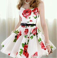 Sooo cute!! Vintage Fashion:: Retro style:: Floral Dresses::Flirty and Fun:: Pin Up style:: Vintage style
