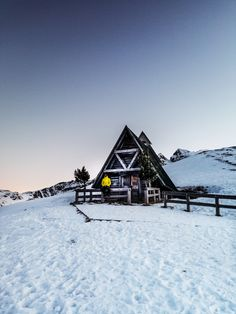 Passo di Giau Road Trippers, Alps, Wonderful Places, I Am Awesome, Italy, Cabin, Mountains, Photo And Video, House Styles