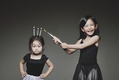 This dad takes the coolest, most creative pictures of his daughters. So FUN! Lots of great ideas.