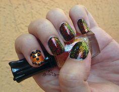 Sparkling Jack-O-Lantern Halloween Nails