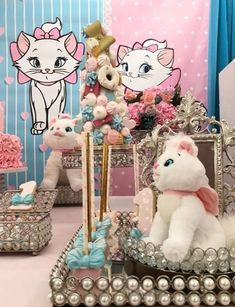 Aristocats Pretty Kitty Birthday Party - Birthday Party Ideas for Kids and Adults Hello Kitty Birthday, Cat Birthday, Birthday Gifts For Girls, Birthday Party Decorations, Baby Shower Decorations, Birthday Parties, Pretty Cats, Pretty Kitty, Marie Cat