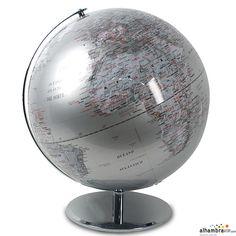 Bola del mundo plateada