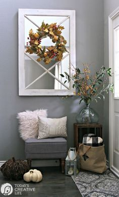 entryway ideas Small Entryway Decorating Ideas for fall using budget items. Create a stylish foyer with this small entryway bench and many other creative items. Front Entryway Decor, Small Entryway Bench, Entryway Stairs, Small Entrance, Apartment Entryway, Modern Entryway, Entrance Decor, House Entrance, Entryway Ideas