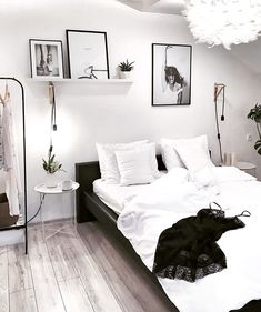 35 Awesome and Gorgeous Bedroom for Beautiful Girls bedroom, pink and white bedroom, bedroom design for girls Girl Bedroom Designs, Room Ideas Bedroom, Cozy Bedroom, White Bedroom, Home Decor Bedroom, Girls Bedroom, Monochrome Bedroom, Master Bedroom, Bedroom Small