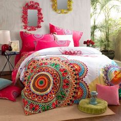 schlafzimmer ideen im boho stil_schöne bettwäsche mit blumenmuster ... - Schlafzimmer Ideen Pink