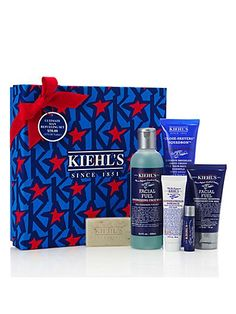 The Ultimate Man Refueling Set by Kiehl's. Perfect grooming essentials perfect for gifting at Christmas.