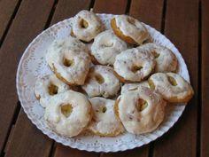 Rosquillas de San Isidro. Dulce tradicional madrileño, típico del mes de mayo.