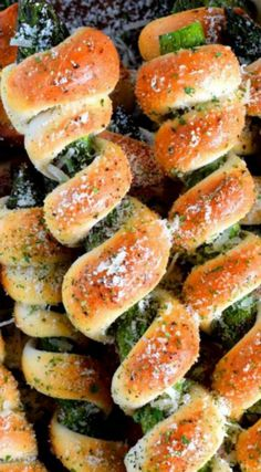 Wrapped Asparagus Spears with Garlic Butter and Parmesan ~ Delicious side dish or appetizer. Perfectly baked, perfectly seasoned, and perfectly perfect! Serve hot or at room temperature! Finger Food Appetizers, Yummy Appetizers, Finger Foods, Appetizer Recipes, Veggie Recipes, Snack Recipes, Healthy Recipes, Party Recipes, Delicious Recipes