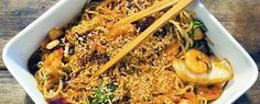 Gewoon wat een studentje 's avonds eet: Aziatisch: Noedels met Oosterse wokgroentes, garna...