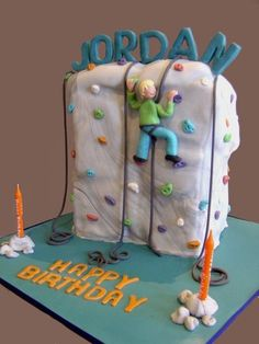 This was a chocolate cake made for a 9 yo birthday party at an indoor rock climbing centre. Inspiration from mamacc for her rock climbing c. Birthday Fun, Birthday Celebration, Birthday Ideas, Birthday Cakes, 11th Birthday, Birthday Gifts, Kinder Party Snacks, Rock Climbing Cake, Party Rock