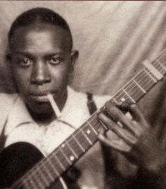 Quintessential celebrity photo booth picture -- Robert  Johnson