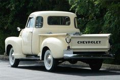 trucks chevy old Vintage Pickup Trucks, Chevy Pickup Trucks, Antique Trucks, Classic Chevy Trucks, Chevrolet Trucks, Gmc Trucks, Vintage Cars, Classic Cars, Chevy Classic