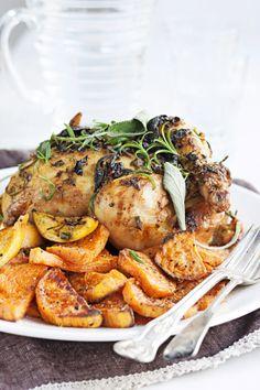 Chicken with lemon and rosmary - Kokonainen broileri uunissa sitruunan ja rosmariinin kera, resepti – Ruoka.fi