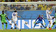 Brezilya'da süren Dünya Kupası finallerine, Nijerya yenilgisiyle veda eden Bosna Hersek'in, gruptaki son maçta İran'ı 3-1 yenmesi başkent Saraybosna'da kutlandı.
