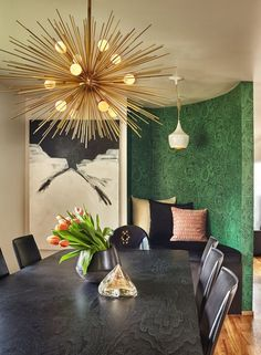 Charming Dining Room Inspiration with Best Low Budget - TopDesignIdeas Dining Table Design, Modern Dining Table, Dining Area, Dining Rooms, Modern Chairs, Farmhouse Side Table, Modern Farmhouse, Interior Exterior, Interior Design