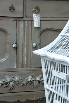 Salvaged Inspirations | Featuring Pleasant Pickin's Open House | Chalk Painted Buffet