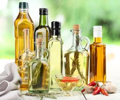 28 Cooking Oils Compared - Which is the Best Cooking Oil for your Health? Best Cooking Oil, Healthy Cooking, Cooking Recipes, Vegetable Oil Substitute, Argan Oil Hair, Hair Oil, Edible Oil, Healthy Oils, Hair Growth Oil