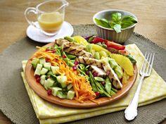 Unser beliebtes Rezept für Hähnchen-Avocado-Salat und mehr als 55.000 weitere kostenlose Rezepte auf LECKER.de.