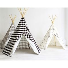 Les parents adorent et les enfants encore plus !  Tente Tipi Triangles - Nobodinoz