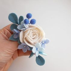 45 ideas craft felt pattern feltro for 2019 Handmade Flowers, Diy Flowers, Fabric Flowers, Felted Flowers, Paper Flowers, Baby Crafts, Felt Crafts, Fabric Crafts, Felt Flowers Patterns