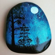 The diameter is 18 inches. Also make them 12 Inches. Mandala Painted Rocks, Painted Rocks Craft, Hand Painted Rocks, Rock Painting Patterns, Rock Painting Ideas Easy, Rock Painting Designs, Pebble Painting, Pebble Art, Stone Painting