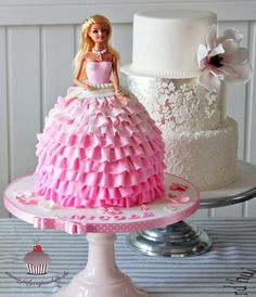 Risultati immagini per bolo de barbie Barbie Doll Birthday Cake, Barbie Torte, Barbie Theme Party, Bolo Barbie, Birthday Cake Girls, Princess Birthday, 5th Birthday, Baby Doll Cake, Princess Theme Cake