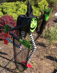 Sally Fawcett: Wicked Witch Letterbox - Halloween