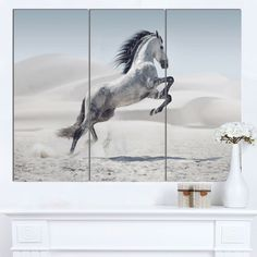 Designart 'Galloping Horse' Animal Art on Canvas