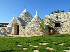 Trullo well equipped, with communal pool,
