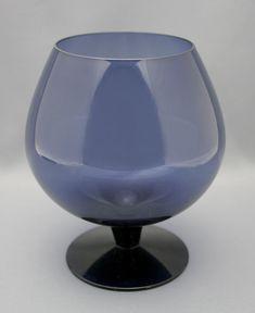 Lassi, Kitchen Cupboards, Kitchen Gadgets, Shades Of Blue, Dinnerware, Wine Glass, Finland, Tableware, Design
