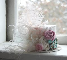 Mini Top Hat Alice in Wonderland Inspired - Ivory Ostrich Feathers and Baby Pink…