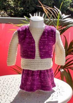 Ensemble jupe, gilet, et pull 3/6 mois, tricoté main, @danielaine-tricots : Mode…