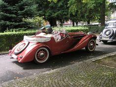 klikni pro další 8/36 Buses, Antique Cars, Classic Cars, Automobile, Nice, Vehicles, Design, Style, Vintage Cars