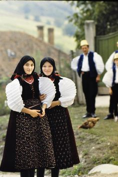 Two girls wearing traditional clothes, Szék, Romania Costumes Around The World, Ethnic Dress, Traditional Clothes, We Are The World, Two Girls, Folk Costume, World Cultures, Historical Clothing, Girls Wear