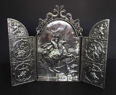 Triptico religioso em prata maciça sem contraste, séc XVIII, Alto Peru. Na  placa central, a imagem