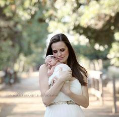 outdoor newborn photography!! love