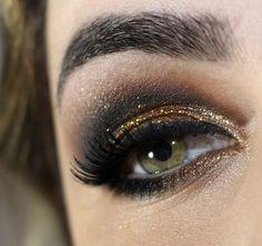 beautiful sprakly brown smokey eye