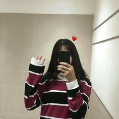 faceless selfie and photo ideas; (photos not mine) Cute Girl Photo, Girl Photo Poses, Girl Photography Poses, Ulzzang Korean Girl, Cute Korean Girl, Asian Girl, Korean Girl Fashion, Ulzzang Fashion, Girl Pictures