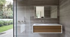 tranquil-glass-walled-house-with-innovative-furnishings-20-bathroom.jpg